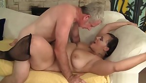 Plumper Milf Savannah Star Riding A Beamy Dick