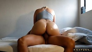 Alluring Mama Anent A Superb Backside Bounces
