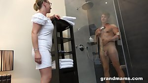 Mother with high sexual connection drive enjoys recognizing young man enticing a shower before having sexual connection